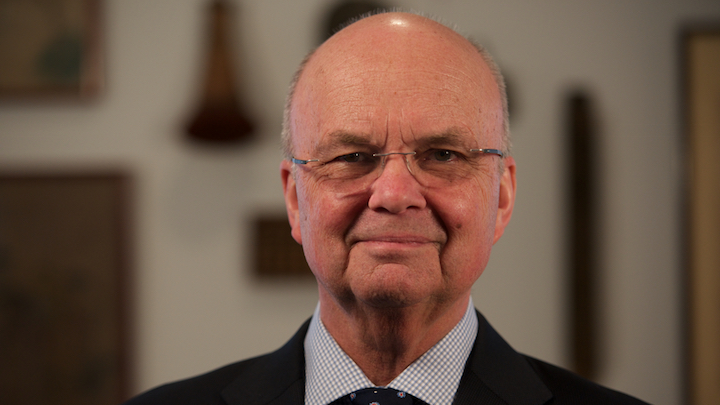 Retired general Michael Hayden speaks with Washington Bureau Chief Susan Page about his new book 'Playing to the Edge' and weighs in on Apple's case with the government, Donald Trump's security policy and Hillary Clinton's email scandal.