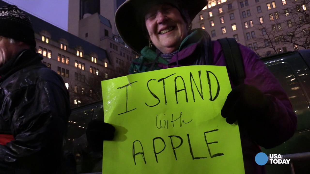 Protest at Apple store in NYC