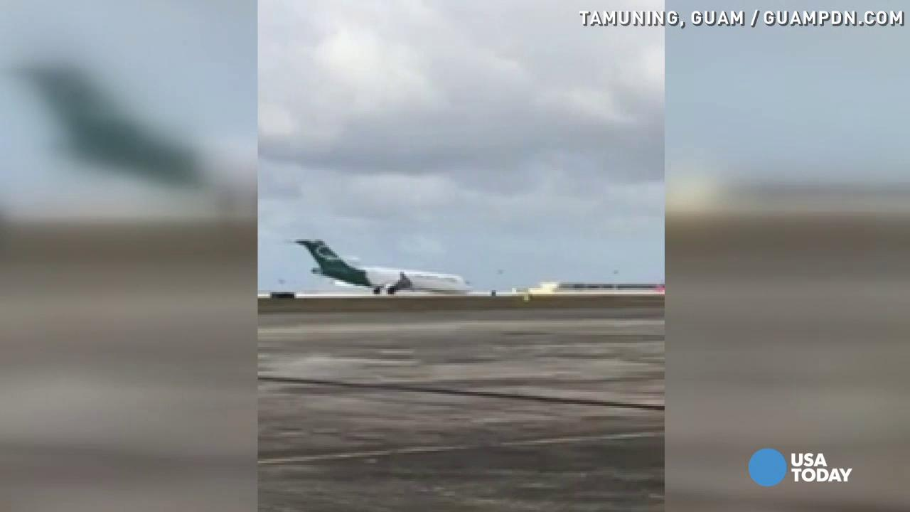 Cargo plane lands nose-down without landing gear