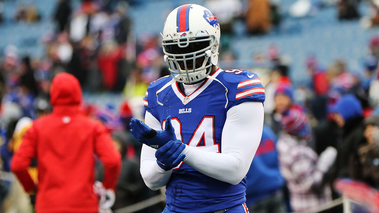 Mario Williams, Daryl Smith will have plenty of suitors on free agent market