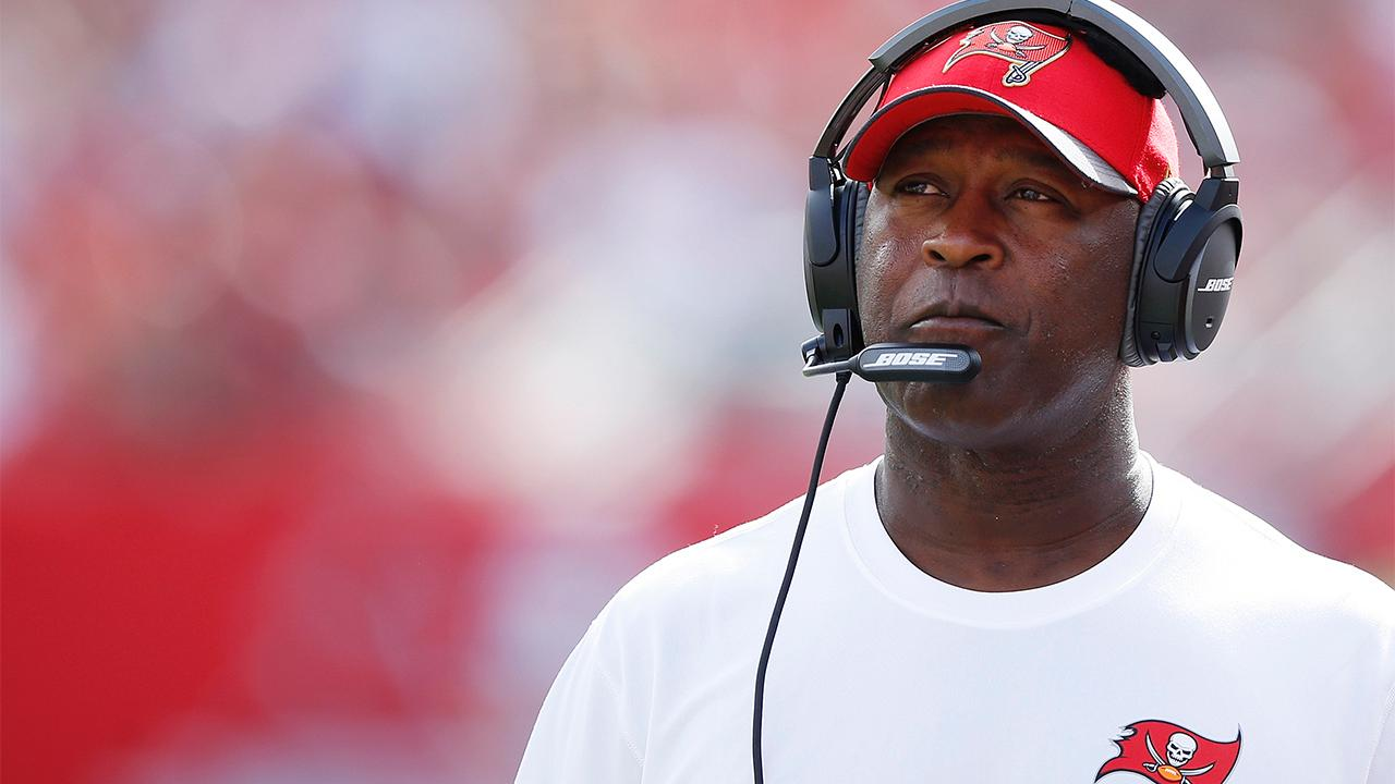 Report: Lovie Smith expected to be named Illinois head coach