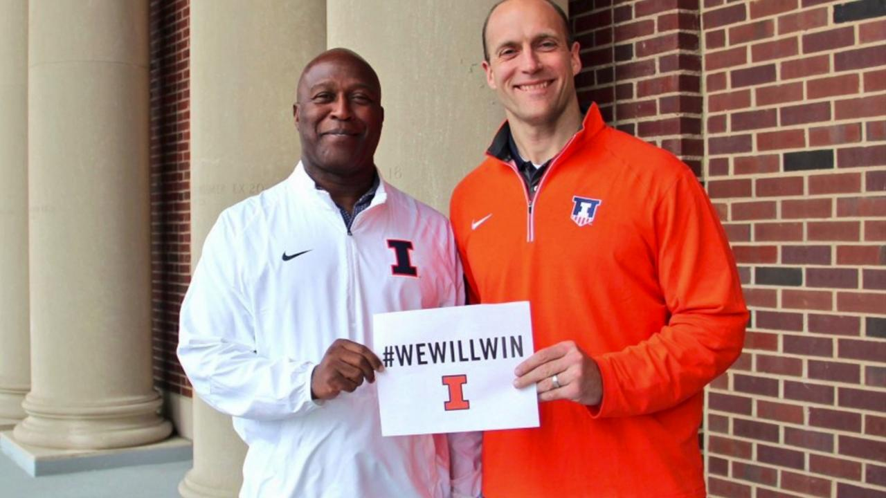 Lovie Smith, who spent 11 years coaching in the NFL, will now take the reins at the University of Illinois.