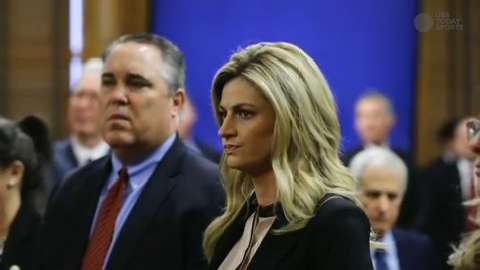 Erin Andrews enters court.