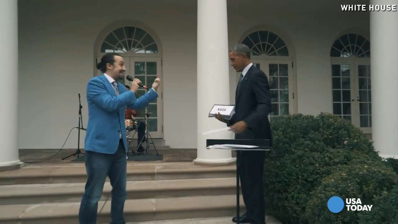 "WIth the help of President Obama, ""Hamilton"" star Lin-Manuel Miranda showed off his rap skills in the White House Rose Garden."