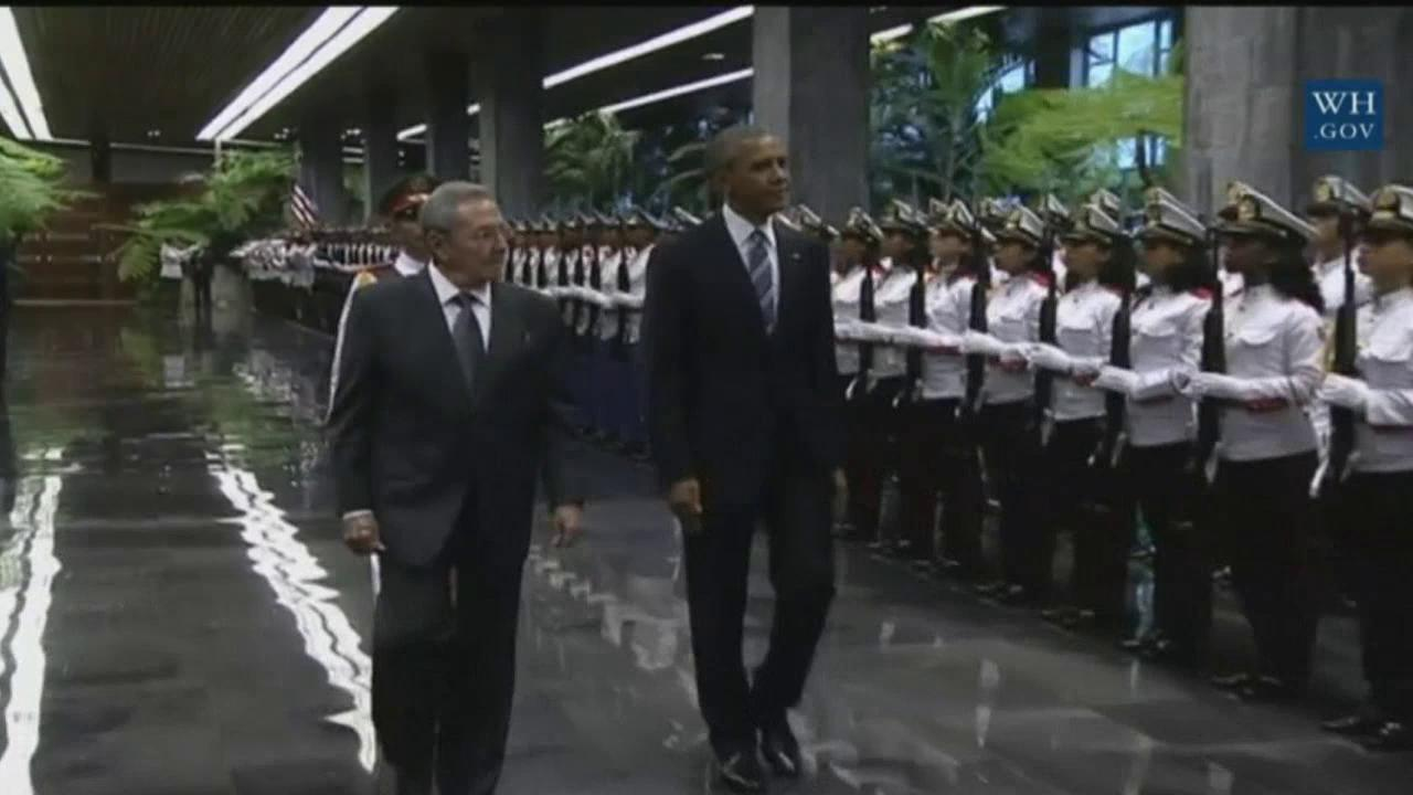 President Obama and Raul Castro meet on historic trip