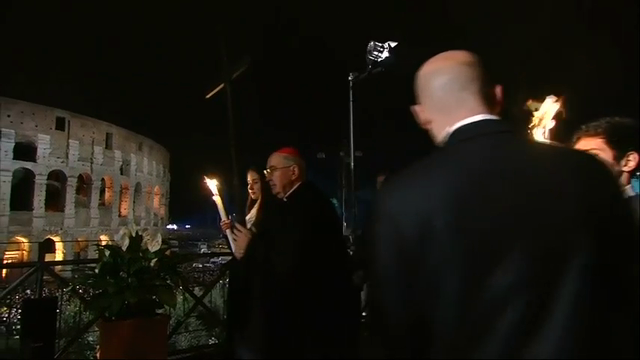 Raw: Pope Heads Way of the Cross Procession