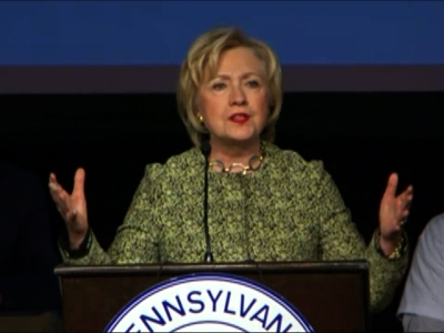 Clinton questions Sanders' effectiveness
