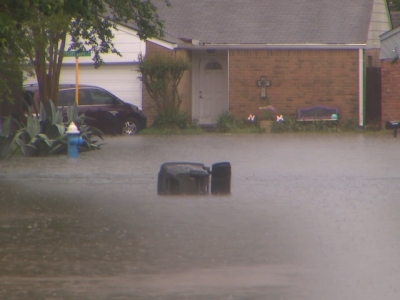 Raw: Widespread Houston Flooding After Deluge