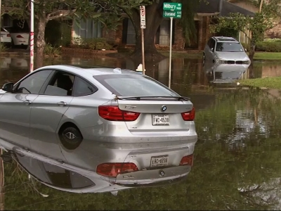 Raw: Four Known Dead in Houston-Area Flooding