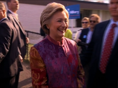 Raw: Hillary Clinton Votes in New York Primary