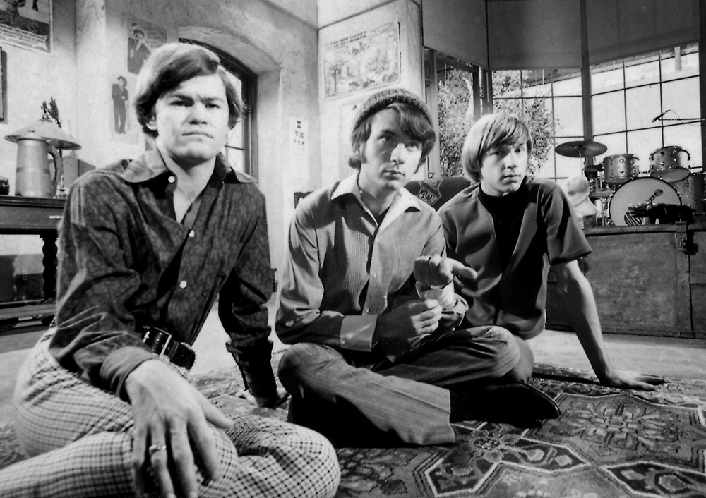 USA TODAY's Elysa Gardner talks with Micky Dolenz of 'The Monkees' as they celebrate their 50th anniversary.