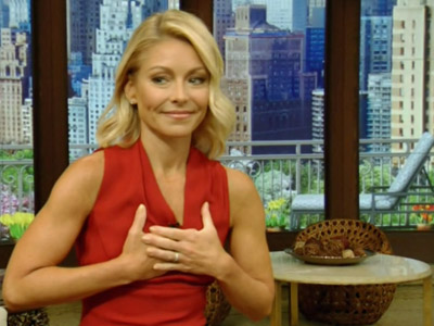 Kelly Ripa, on  'Live,' says uproar over exiting co-host, Michael Strahan, is settled. (April 26)
