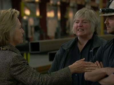 Clinton: US Needs 'Renaissance in Manufacturing'