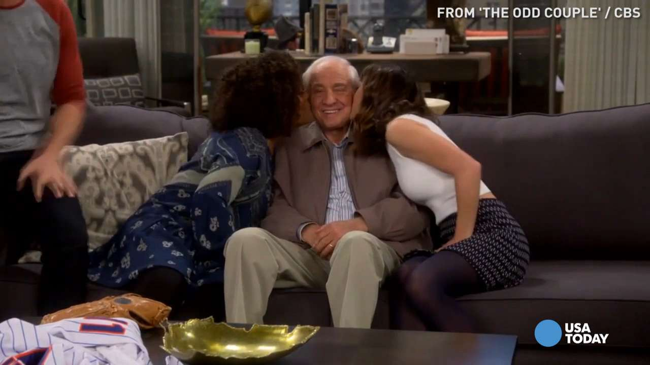 Critic's Corner: 'The Odd Couple' hosts a special guest