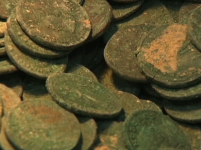 Raw: Trove of Roman Coins Found in Spain