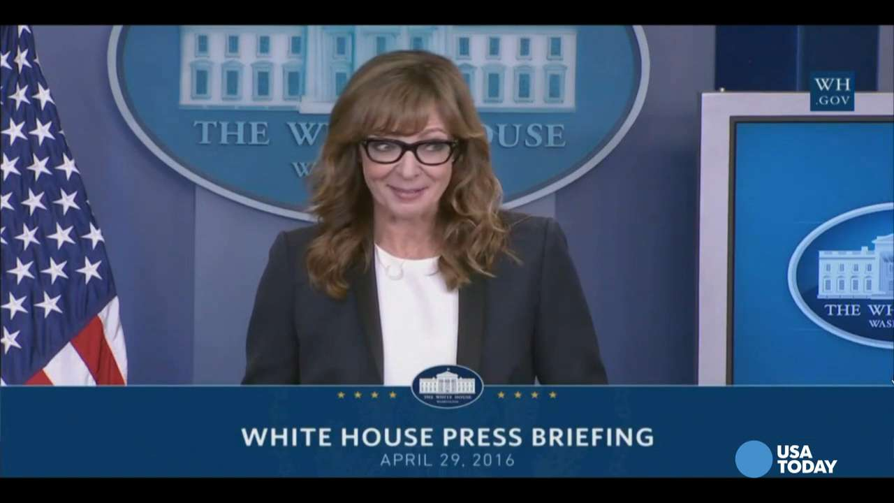 Allison Janney crashes press briefing as C.J. Cregg
