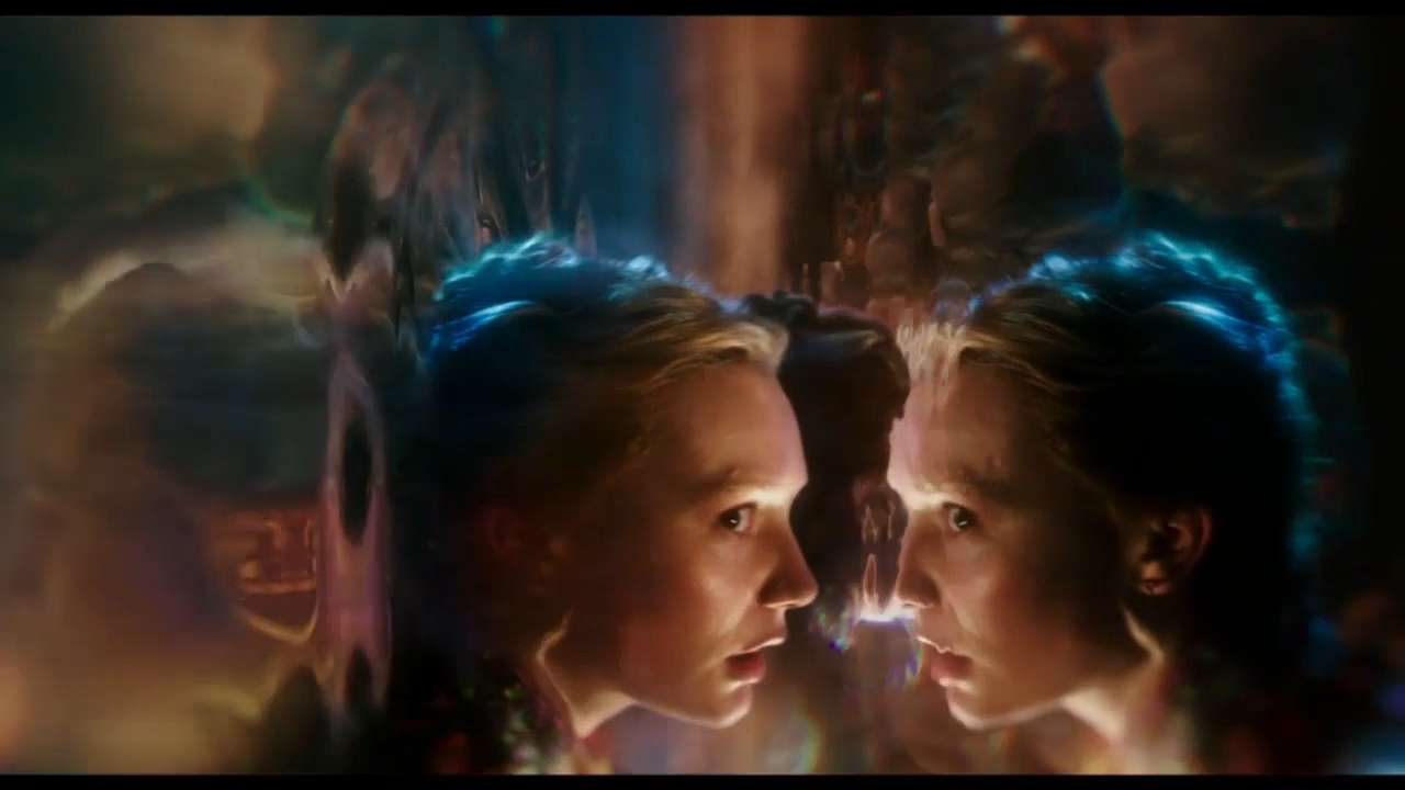 Trailer: 'Alice Through the Looking Glass'