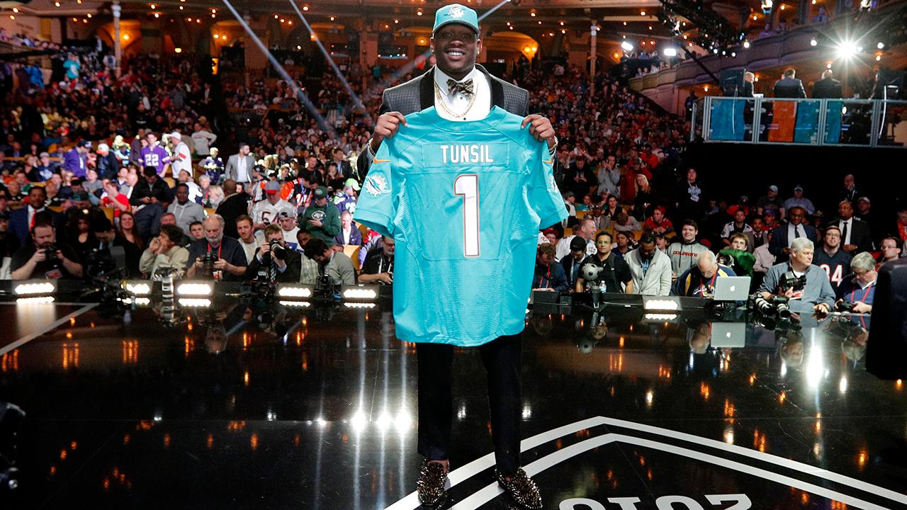 The Dolphins believe that rookie Laremy Tunsil's former financial advisor was the person responsible for leaking a video of Tunsil smoking in a gas mask, according to a report from the Palm Beach Post.