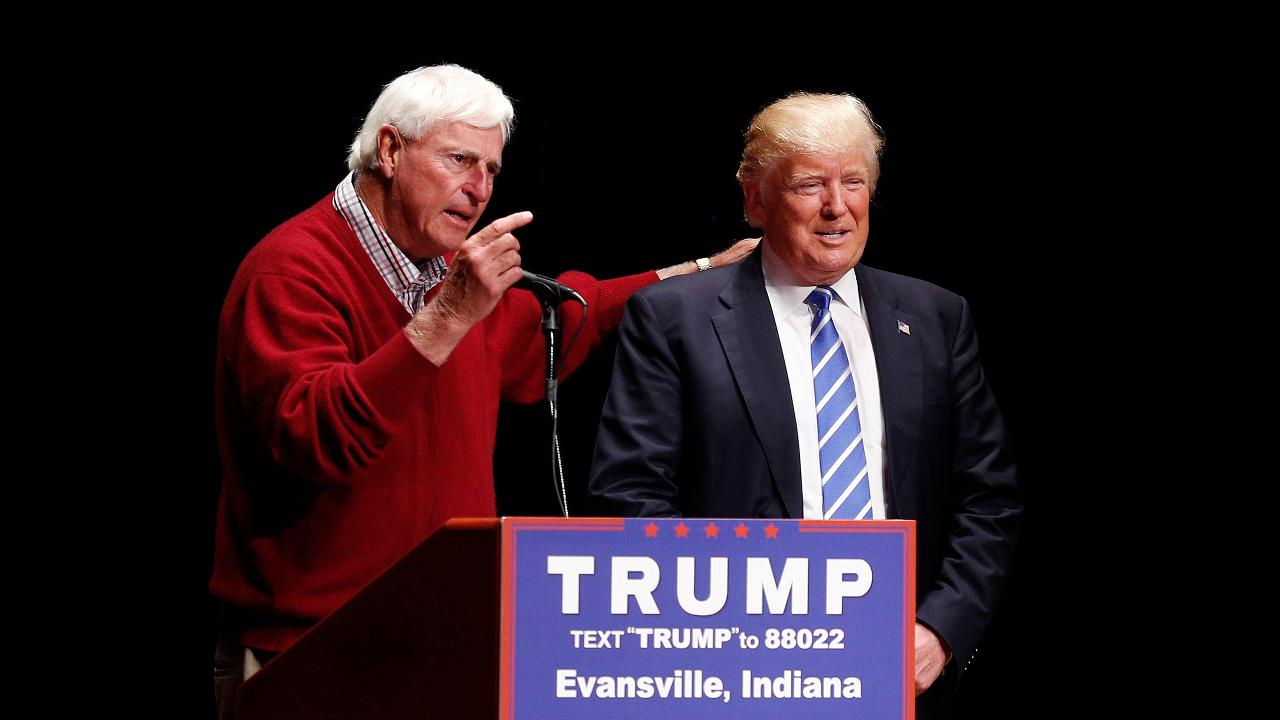 Bobby Knight recently announced his endorsement of Donald Trump's campaign to become the President of the United States. To thank the legendary Hoosiers coach for his help on the trail, Trump misspelled Knight's name in a tweet on Monday.
