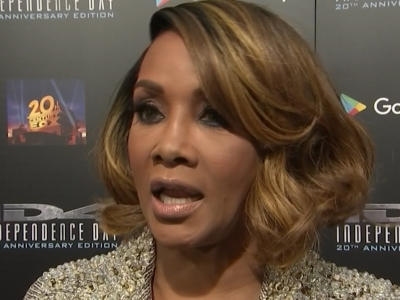 At a special screening marking the 20th anniversary of box office hit 'Independence Day,' star Vivica A. Fox discusses the differences between Republican presidential candidate Donald Trump and her 'Celebrity Apprentice' boss Donald Trump. (May 4)