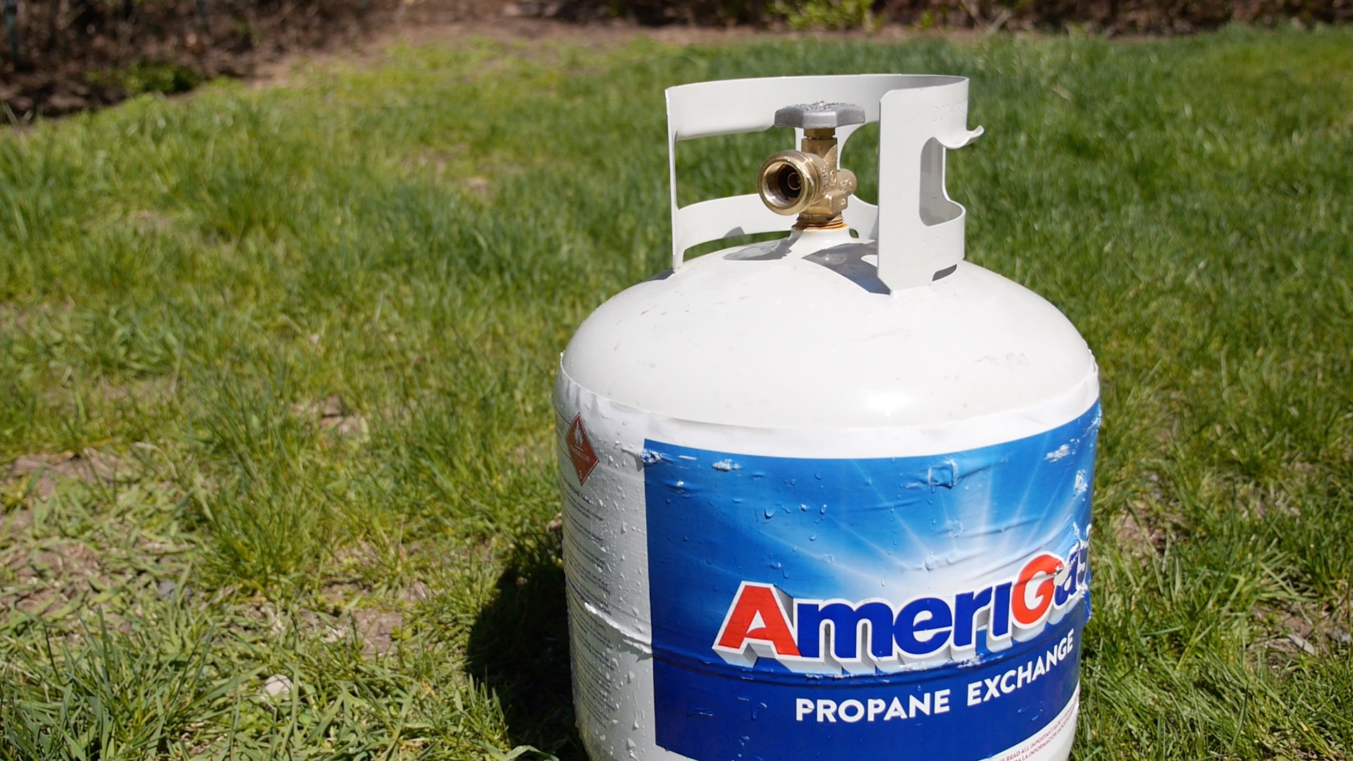 A simple trick for checking how much propane you have left