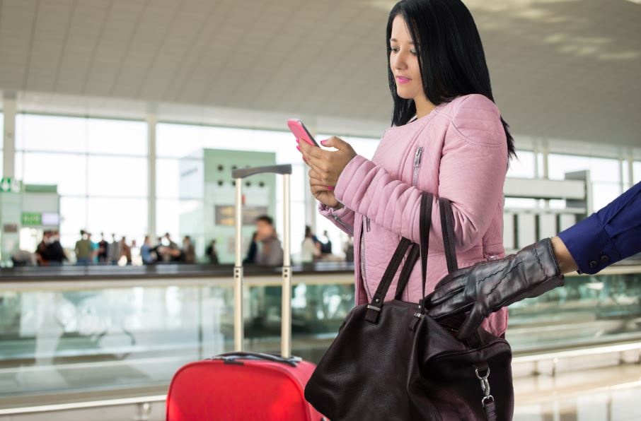 5 pickpocket myths exposed to help you travel safer