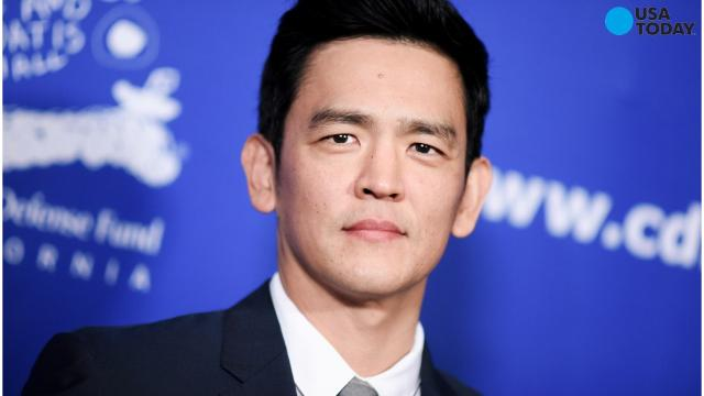 #StarringJohnCho takes on Hollywood whitewashing with Photoshop