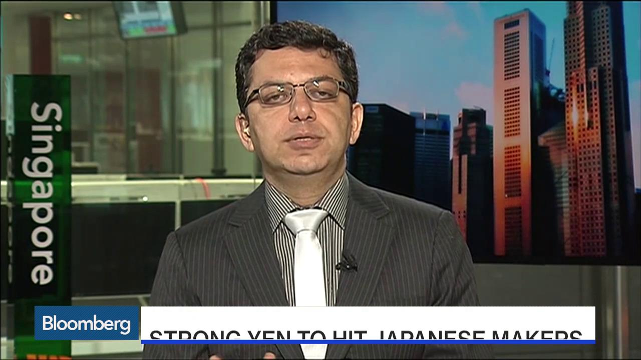 May 12 -- Vivek Vaidya, vice president for automotive and transport in APAC at Frost and Sullivan, discusses Nissan's purchase of a stake in Mitsubishi Motors, possible consolidation for Takata and the outlook for Japanese automakers. He speaks to B