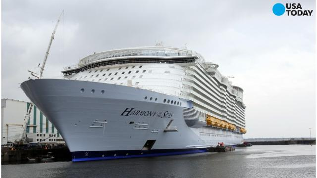 It 39 S Here Say Hello To The Largest Cruise Ship Ever