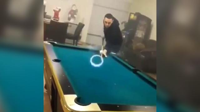 Mustard minute vaping made this pool trick shot cool - Awesome swimming pool trick shots ...