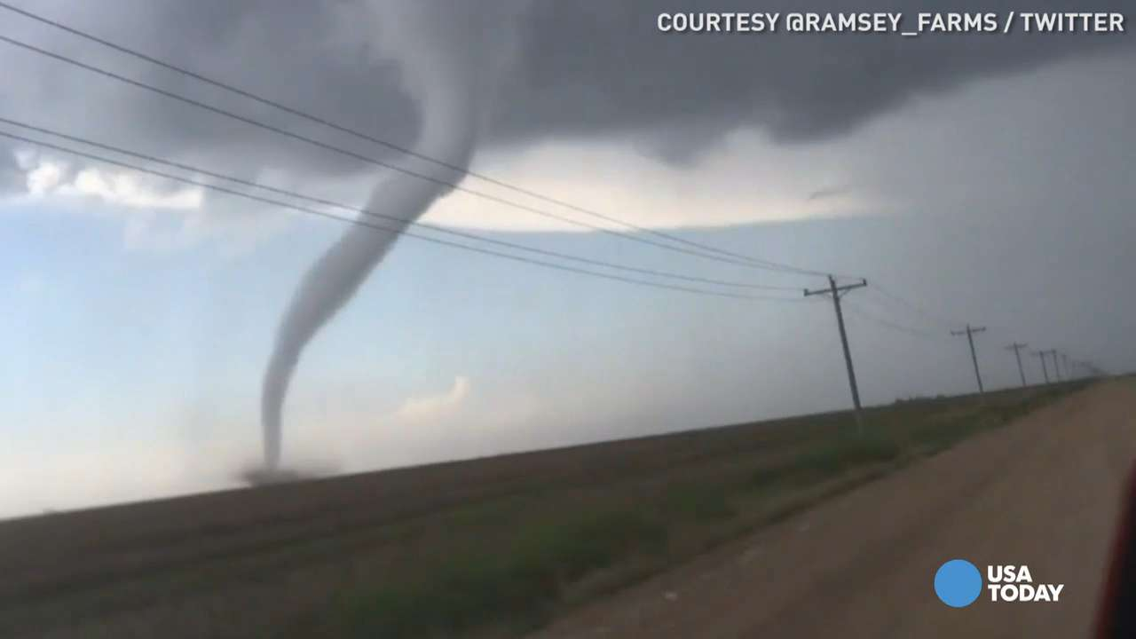 Time-lapse captures giant tornado funnel touching down