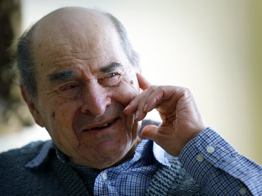 At 96, Heimlich finally uses his life-saving maneuver