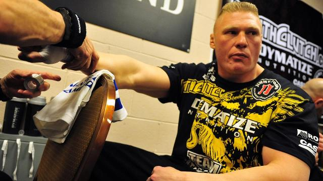 Report: Current WWE star Brock Lesnar is finalizing a deal to fight at UFC 200