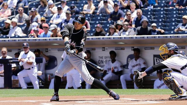 Ichiro breaks Pete Rose's career record with 4,257th hit