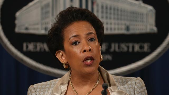 Lynch promises to be impartial in Clinton email probe