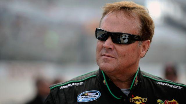 Former NASCAR driver Mike Wallace reportedly beaten after concert