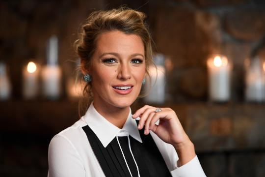 Blake Lively on sharks, 'The Shallows' and husband Ryan Reynolds.