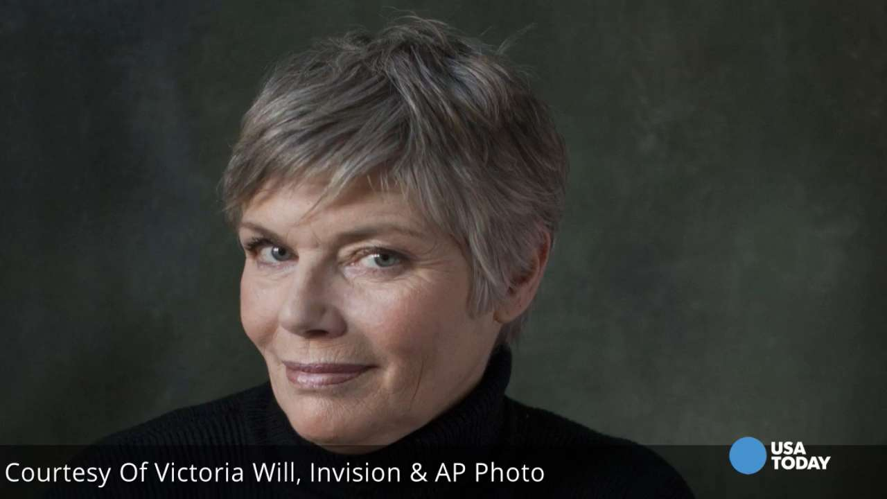 'Top Gun' actress Kelly McGillis took to Facebook, saying she was attacked by a stranger in her North Carolina home. She says she was left with scratches and bruises from the incident.