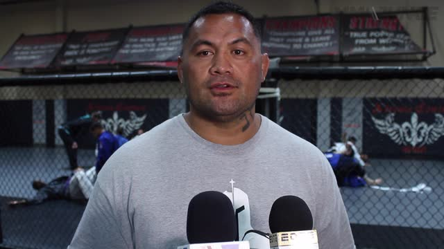 Mark Hunt full media scrum at Xtreme Couture – June 27, 2016
