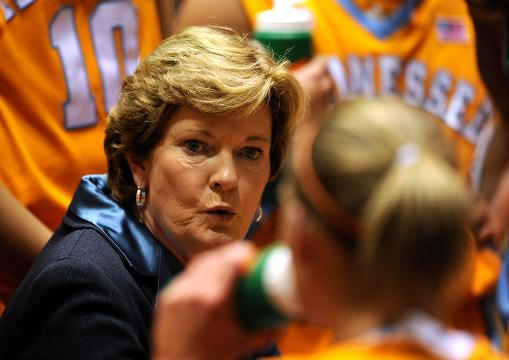 Pat Summitt, legendary basketball coach, dies at 64