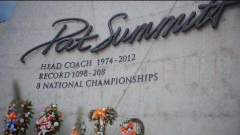 Fans reflect on life of Pat Summitt