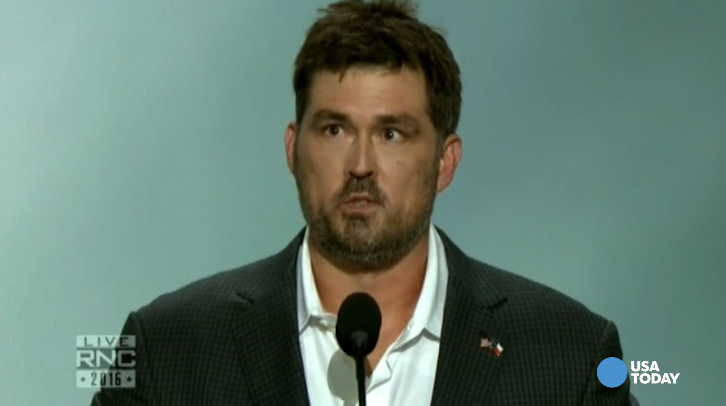 Marcus Luttrell: Trump knows how to care for veterans
