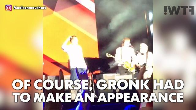 Rob Gronkowski and Paul McCartney jammed out on stage
