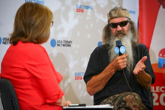Phil Robertson is moving to the woods if Clinton wins