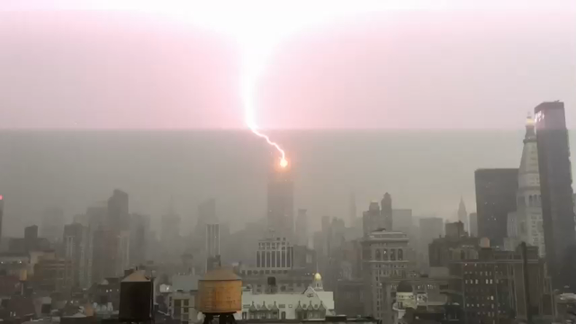 Raw: Lightning Hits Empire State Building