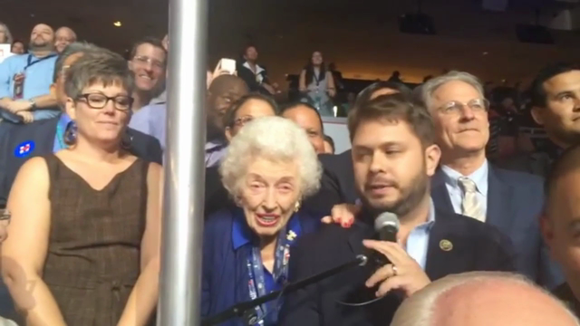 This 102-year-old delegate pledges Arizona's delegates to Clinton