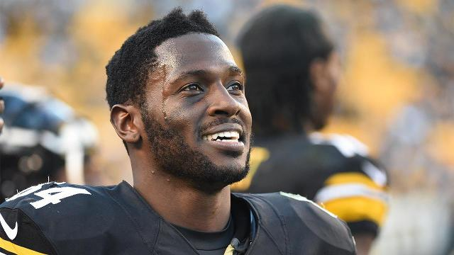 Pittsburgh Steelers wide receiver Antonio Brown won't hold out for a new contract and will attend training camp when it begins on Thursday, ESPN's Adam Schefter reports.