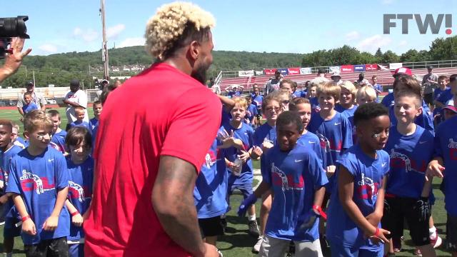 Odell Beckham Jr dances off with kids