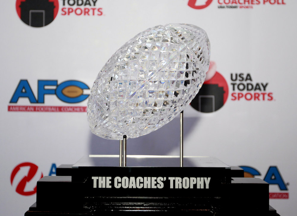 USA TODAY Sports' Erick Smith reveals the top 25 in the preseason Amway Coaches Poll.