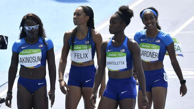 U.S. women get second chance after 4x100 mishap